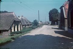 Dorpsweg tussen 1947-1951.